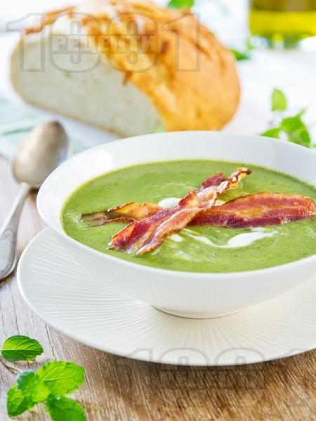 Пасирана крем супа от спанак и картофи с бекон, сметана и прясно мляко - снимка на рецептата
